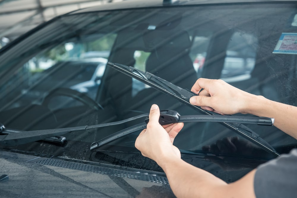 Windshield Wiper Blades -10 Things Every Car Owner Should Know